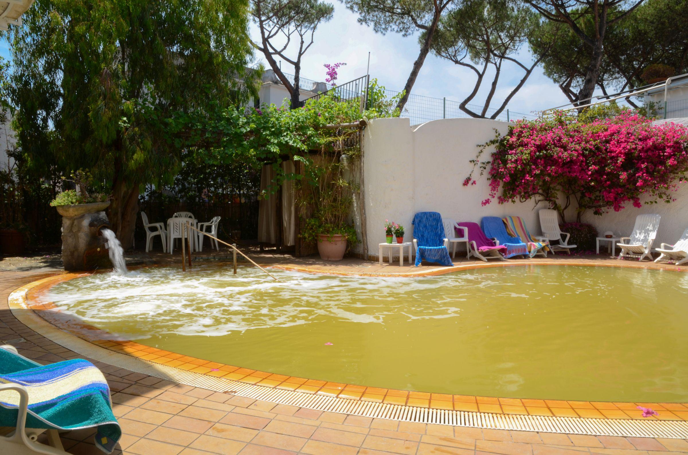 hotel mit pool und wellness in ischia ponte hotel europa. Black Bedroom Furniture Sets. Home Design Ideas